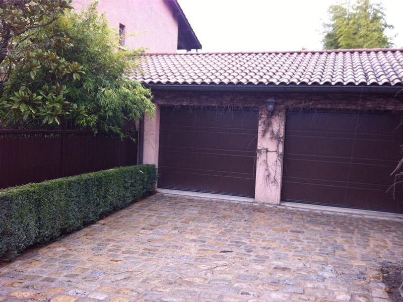 Portes de garage champagne aux monts d 39 or for Garage lyon 5